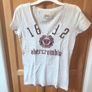 Abercrombie Kids vanilla white v neck shirt top